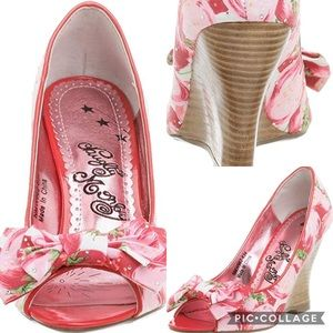 Naughty Monkey Secret Garden  Peep Toe Wedge
